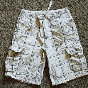 Aeropostale mens plaid off-white cargo shorts.